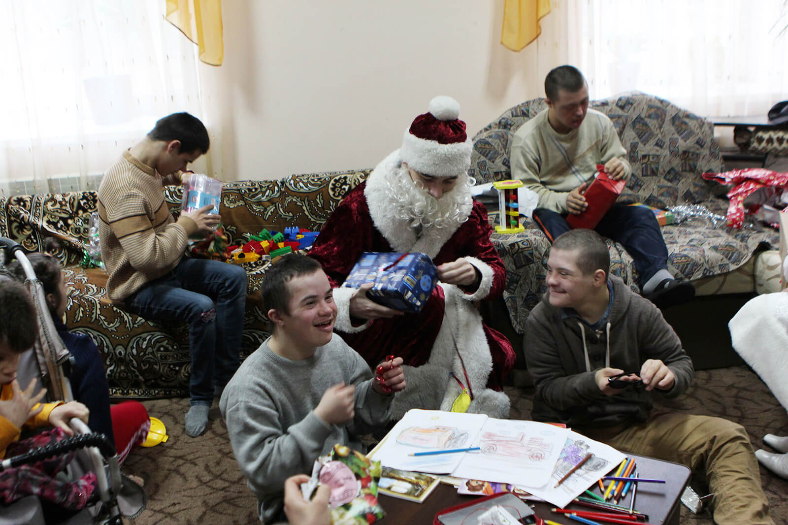 Brightening Christmas for kids: Redwerk team visited children in foster families, photo 8