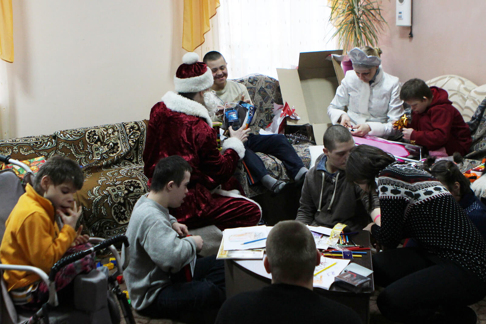Brightening Christmas for kids: Redwerk team visited children in foster families, photo 7