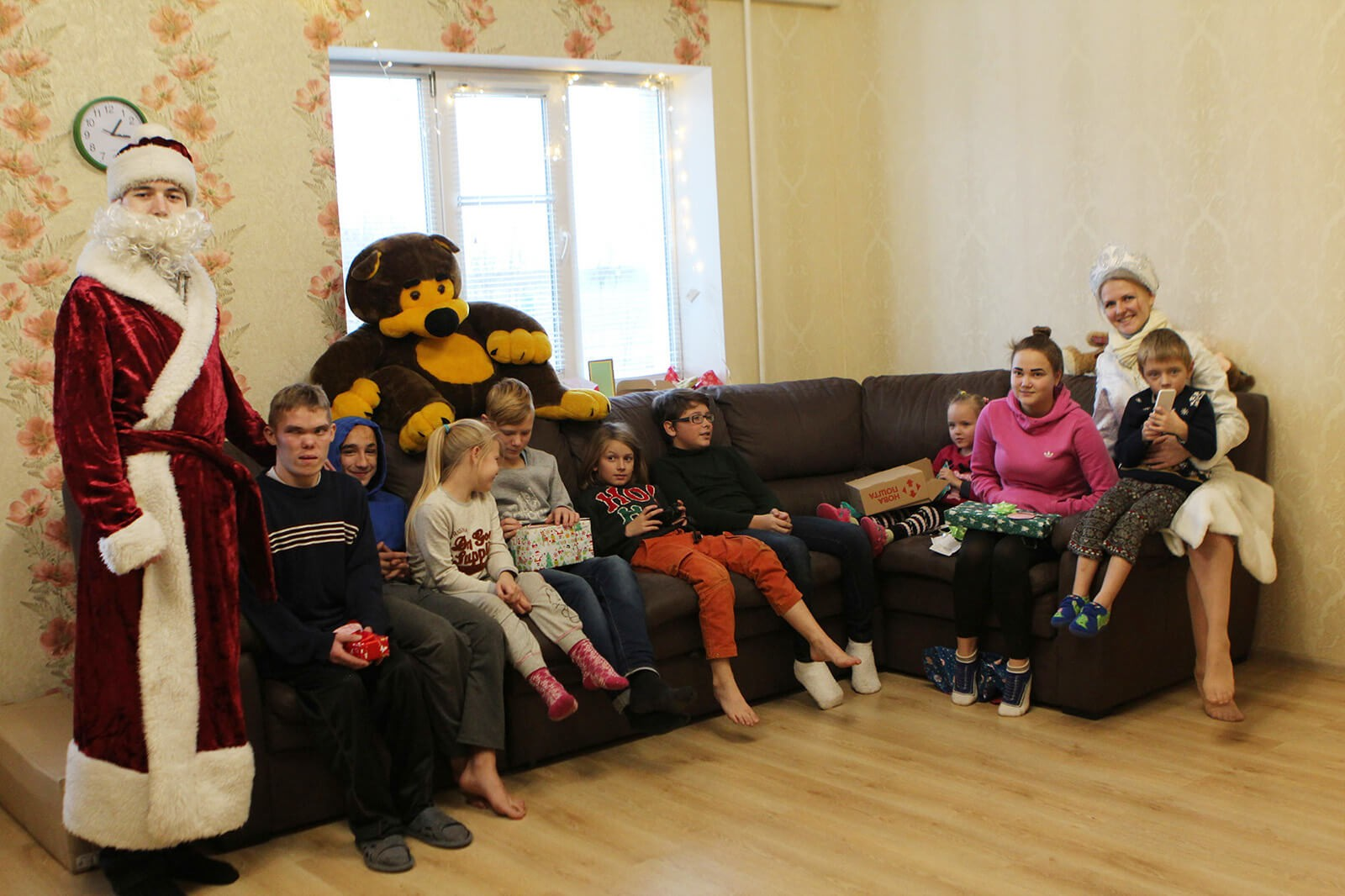 Brightening Christmas for kids: Redwerk team visited children in foster families, photo 5